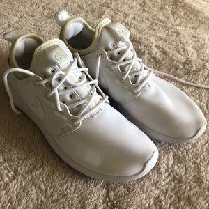 Women's White Nikes Size 7